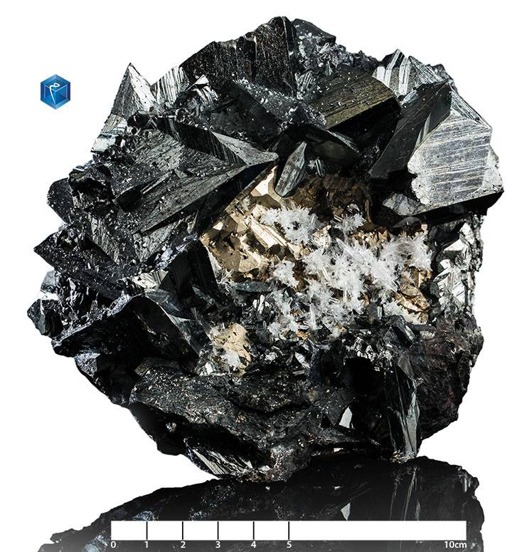 Tetrahedrite - mim 1511 - Peru-Castrovirreyna Distrito, Departamento de Huancavelica-Cu10(Fe,Zn)2Sb4S13